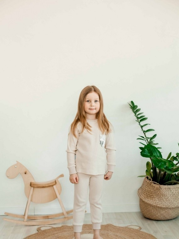 Пижама детская с футболкой с длинными рукавами и брюками нюд Vikki Kids